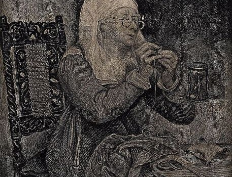 An_old_woman_is_threading_a_needle,_there_are_various_sewing_Wellcome_V0039580